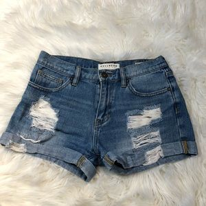 Bullhead Distressed Boyfriend Short Size 3